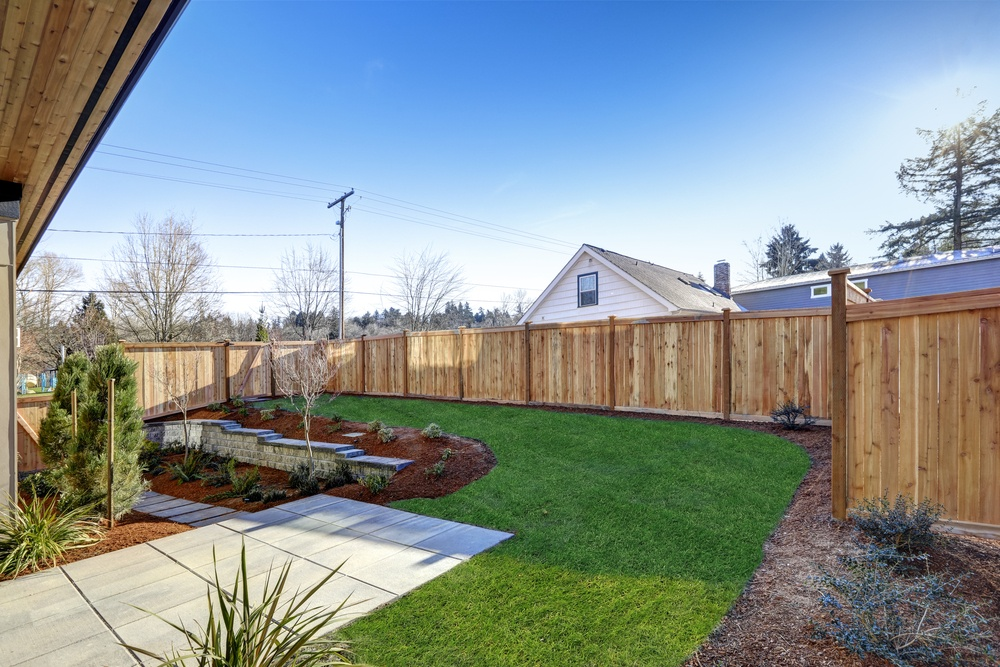 Cheap-Fence-Ideas-Featured