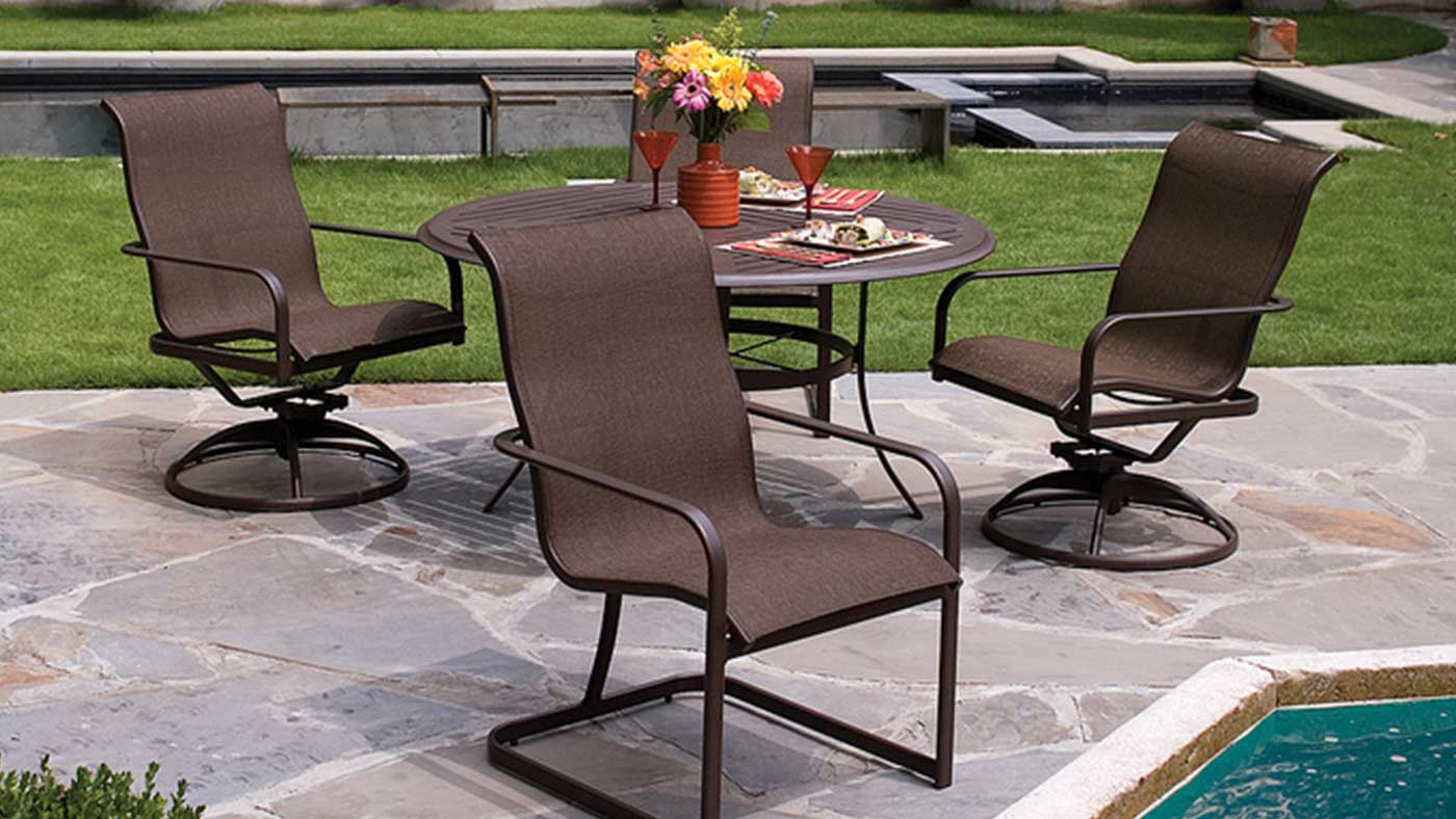 patio-sling-chairs-cleaning.jpg