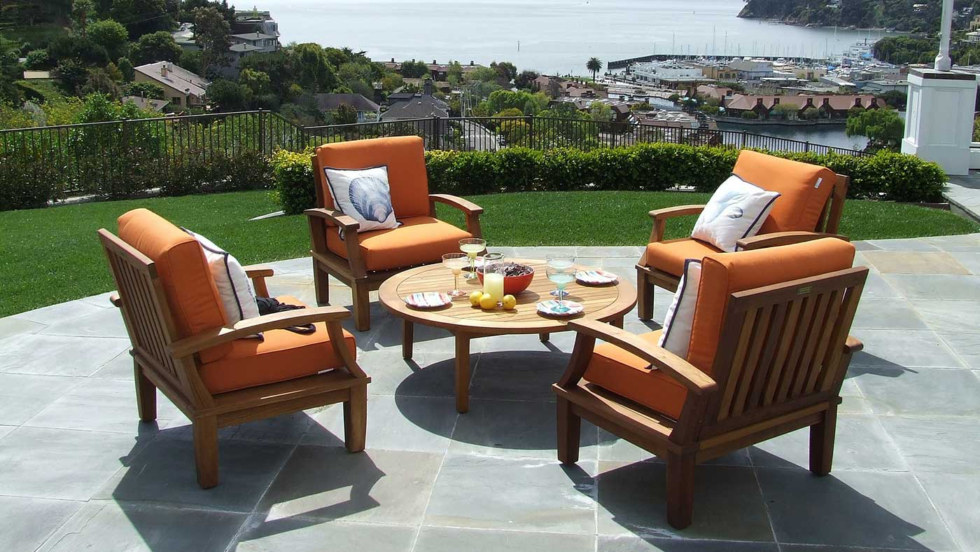 4 Reasons To Replace Your Patio Furniture Cushions