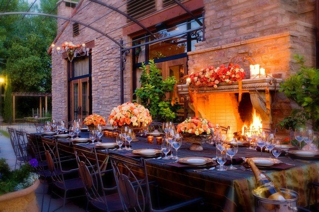 5 Ideas for Enhancing your Autumn Outdoor Dining Experience